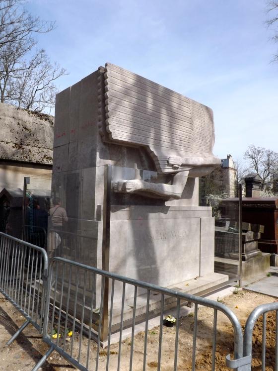 Oscar Wilde tomb