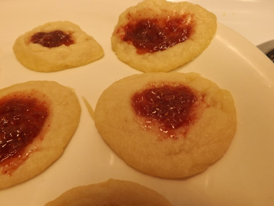 Strawberry-Cinnamon Thumbprint Cookies | Netflix and Nutella