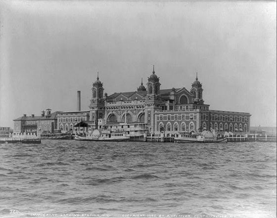 Ellis Island | netflix & nutella
